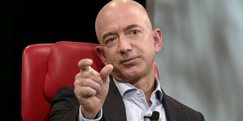 You Are Jeff Bezos: una folle avventura testuale gratuita ci mette nei panni del fondatore di Amazon